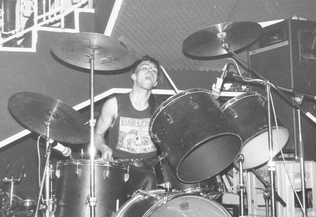 Neuroot-drummer-landscape