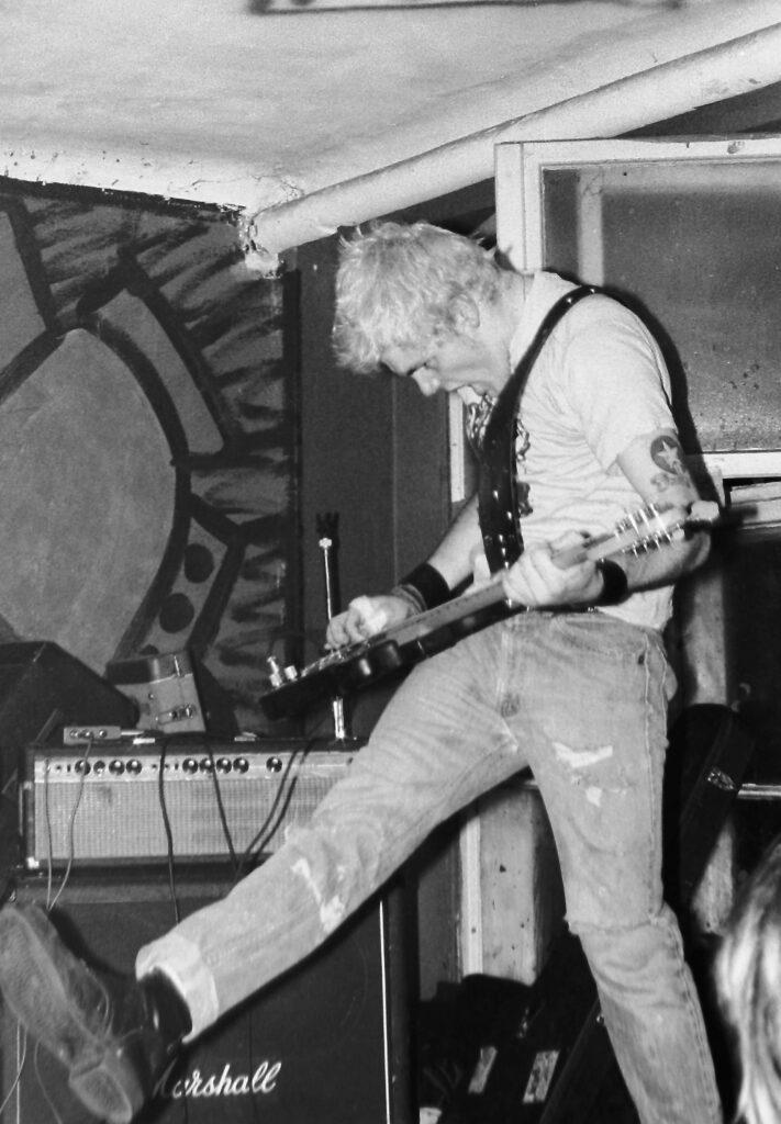 ignition-bassist-kick